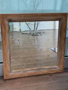 Bilde av Antikk speil i treramme